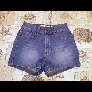 NWOT Bullhead Mom Jean Shorts